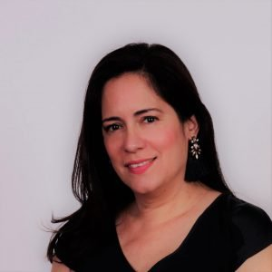 Headshot Mariana Llanos